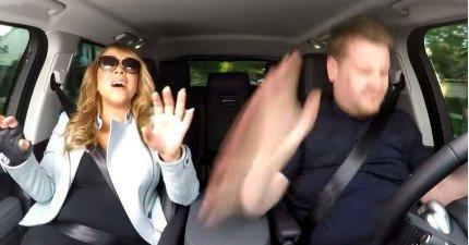 瑪麗亞凱莉在車裡聽到自己的歌時會跟著一起唱嗎?
