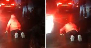 高速公路塞爆!女子跪半小時「求駕駛讓救護車」竟沒人理 車內高齡爸當場斷呼吸