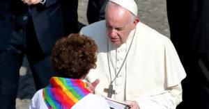 再度聲援LGBT!教宗強調「都是上帝子民」推動同婚合法:不可虧待他們